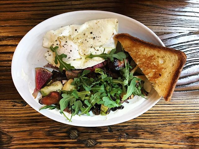 currently working through a month of whole30, but happily decided to take a break today for brunch. this short rib hash was delicious and actually whole30 compliant, outside of the horseradish creme and brioche toast. an excellent cheat meal indeed. 😋 - molly