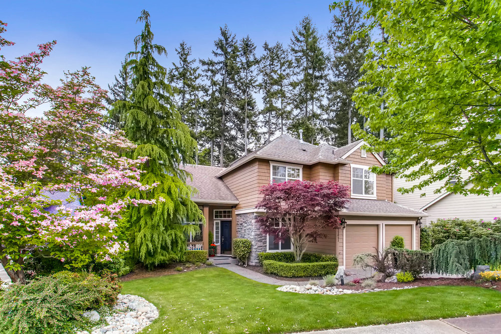 Immaculate Mukilteo Golf Estate