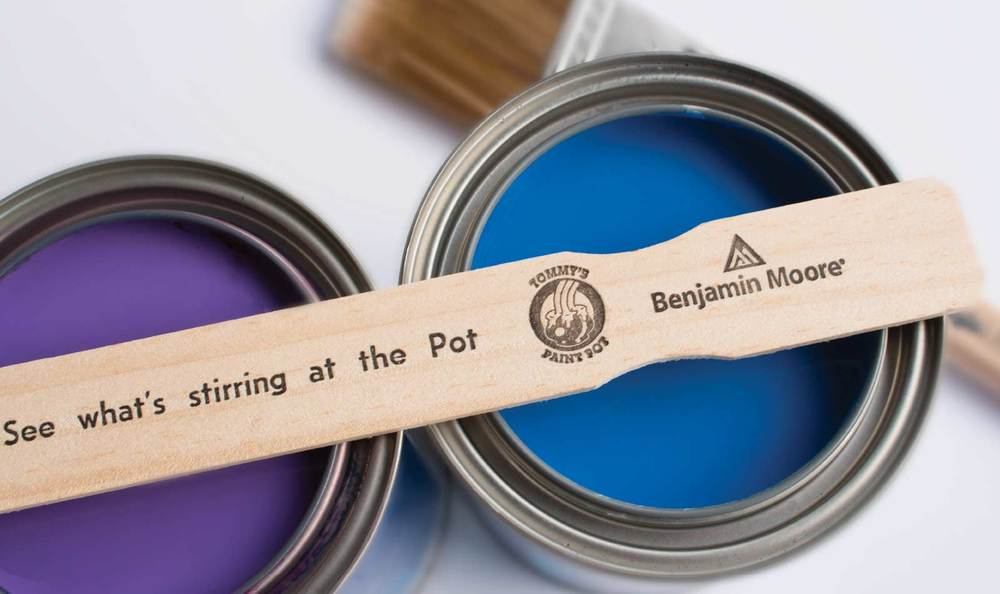 <h2>Proud carrier of</h2><h1>Benjamin Moore</h1>