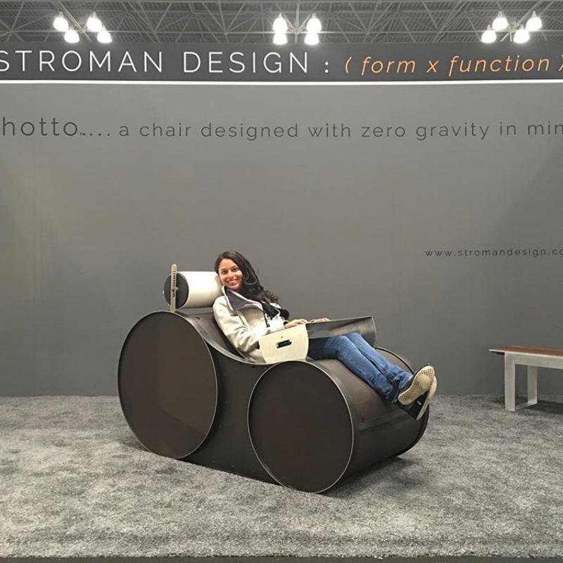 @raviliving    (instagram)      Found the most comfortable zero gravity chair I have ever sat in :)  #icff    #zerogravity    #stromandesign   @stromandesign  #raviliving