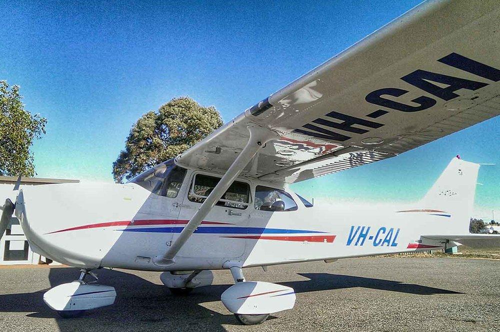 Cessna-172-VH-CAL.jpg