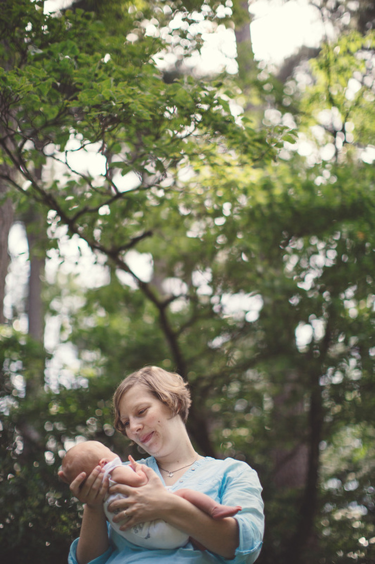 Atlanta, Georgia lifestyle newborn photography. Outdoor lifestyle photography.