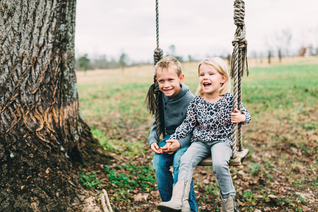 Atlanta, Georgia Family Photography. Four Corners Photography. Family photography at a Christmas Tree farm. Holiday family photos.