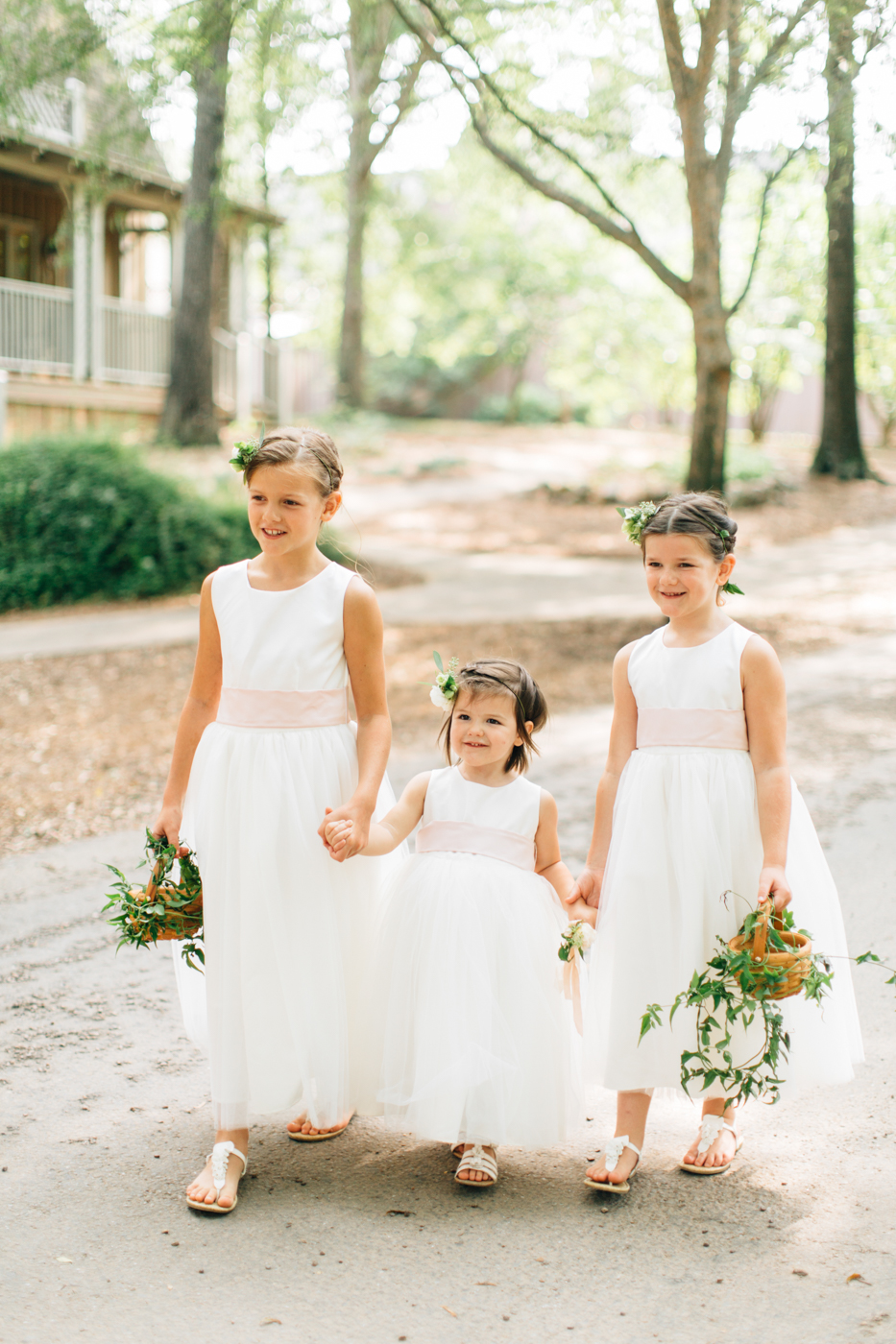 four corners photography best atlanta wedding photographer atlanta wedding barnsley gardens wedding photos flower girls (5 of 9).jpg