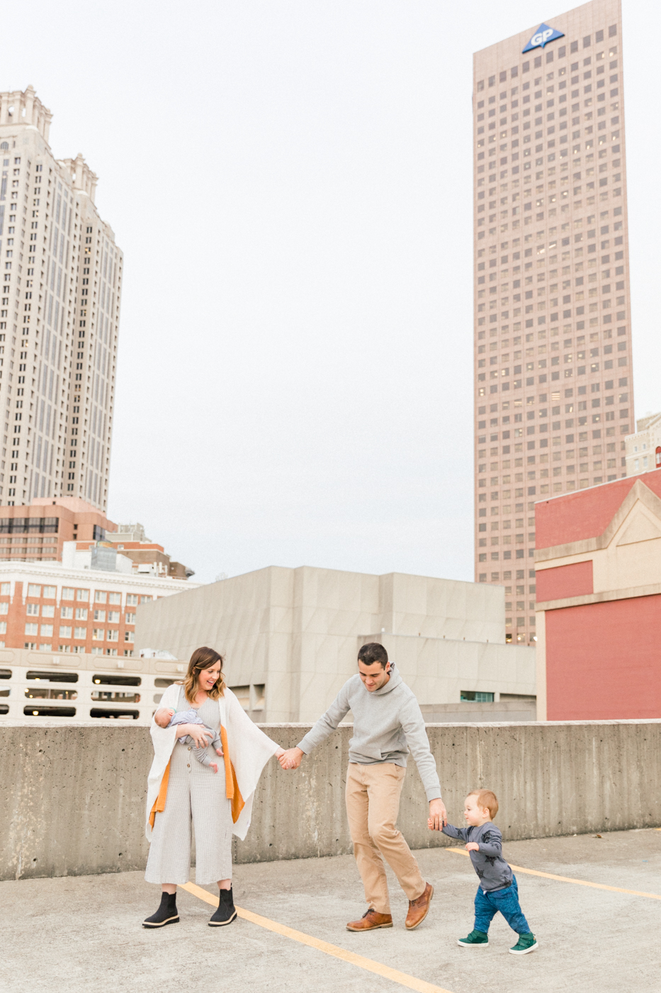 four corners photography atlanta newborn photographer atlanta maternity photography downtown atlanta family session best atlanta newborn photographer-27.jpg