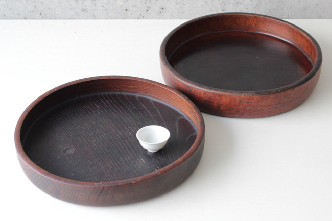 antique trays by Kinokumo