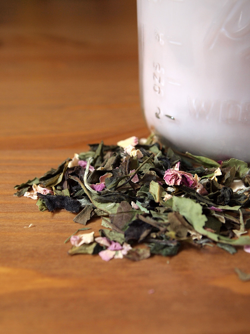 How to Make Rose Peony Candles with Tea
