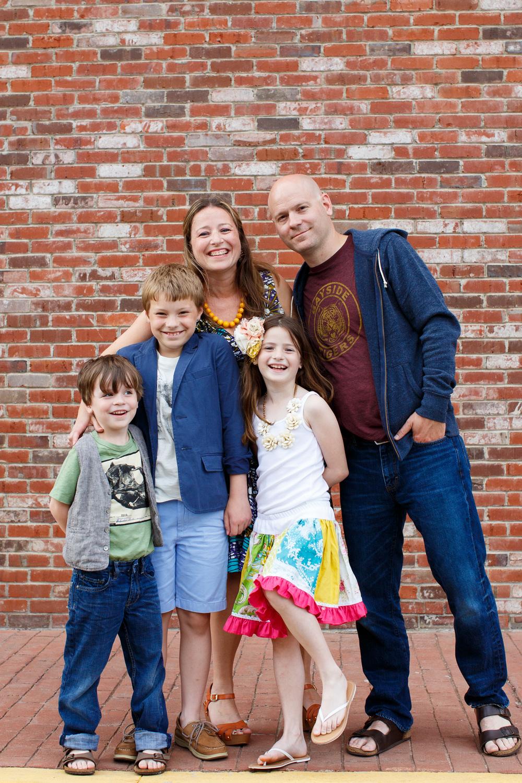 Tara Long & Family :Photograph by ©BobbiandMike