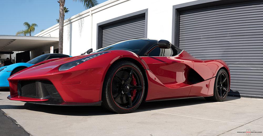 La-Ferrari-3.jpg