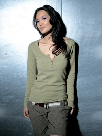 HP-09 Round neck slit pullover