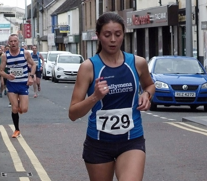 Kerry Bamber on her way to victory in the Fairhill 5.jpg