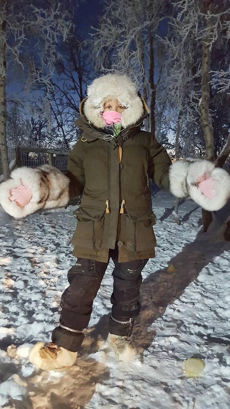 Slik kler jeg meg når jeg skal kjøre hund i -25 grader. Samme type klær ville jeg brukt i -45, men med flere lag.