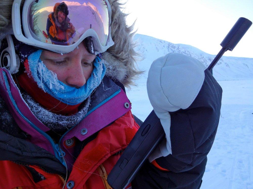 www.st-utleie.no hjelper meg med satelitt tlf til mine ekspedisjoner, men nå vurderer jeg å anskaffe meg en selv..