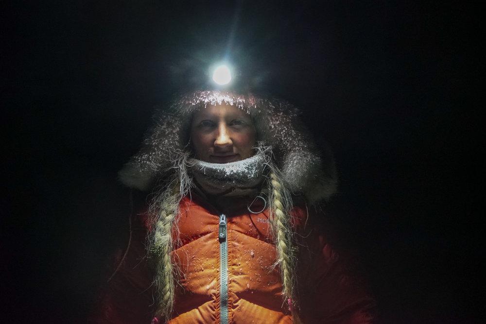 """Vinterstid var det dunjakka """"Trollveggen"""" fra Norrøna som ble mest brukt og skinnlue fra Ravdol Design (egen nettbutikk)."""