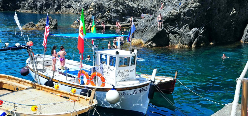 boat-tours-cinque-terre-home-6-banner.jpg