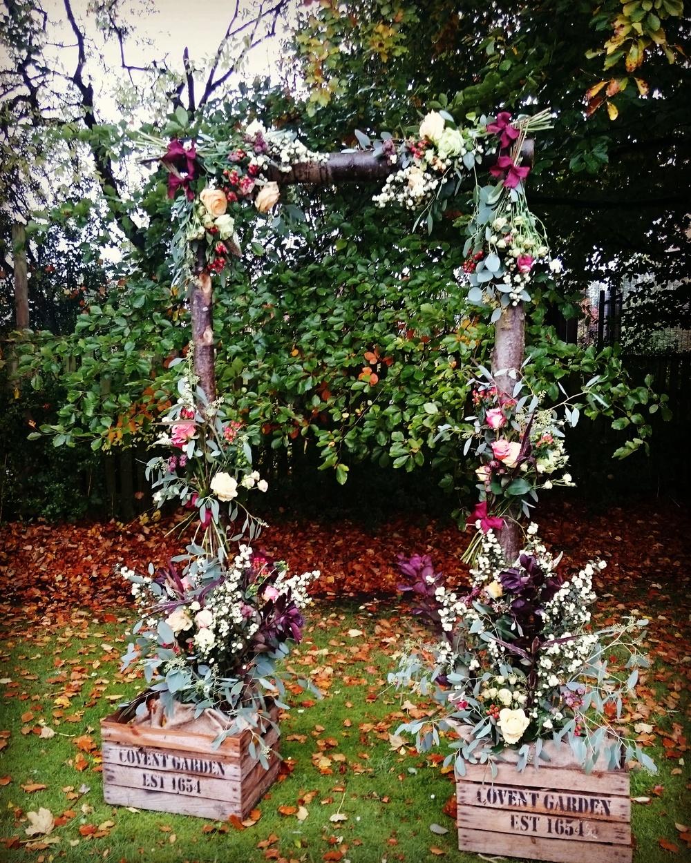 autumn floral arch.jpg