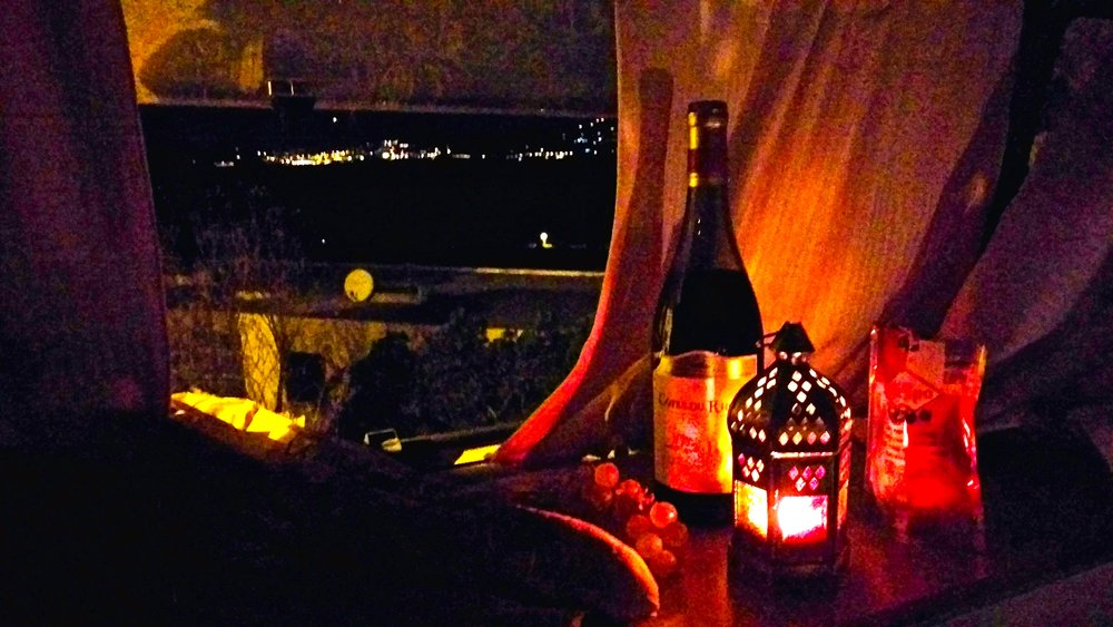 Romantic dinner with a stunning view of Hyères...