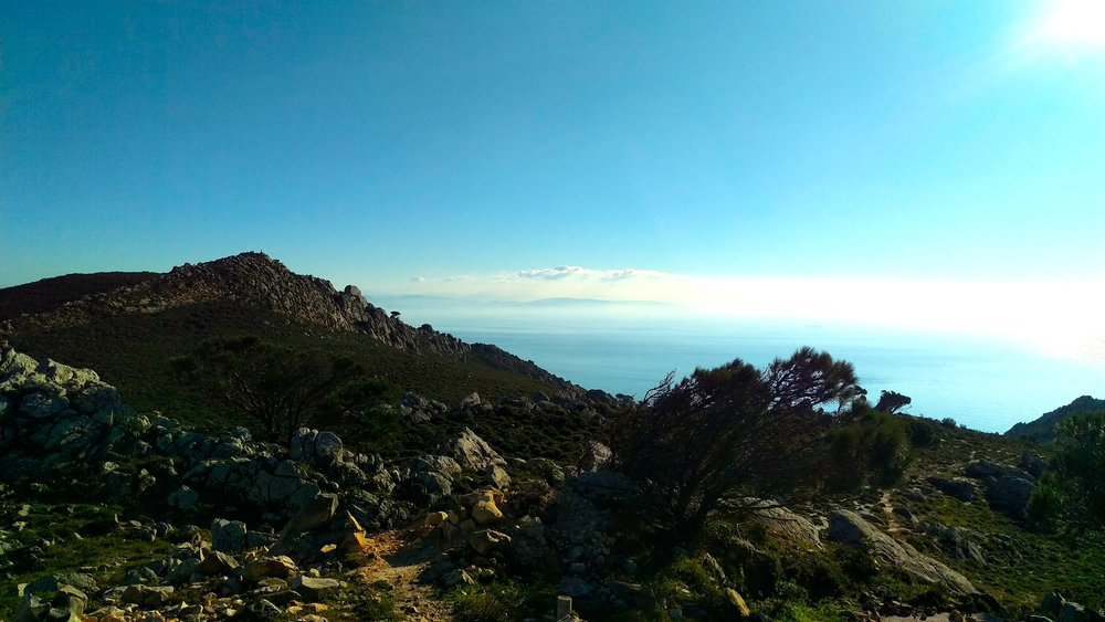 Hiking La Peña