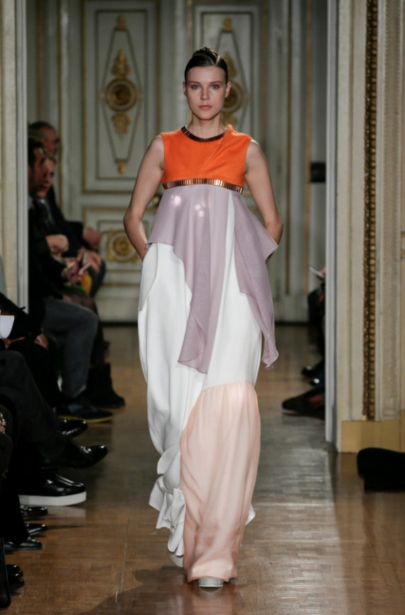 ILJA - ASSIMILA SS16  | Couture met lichteffect