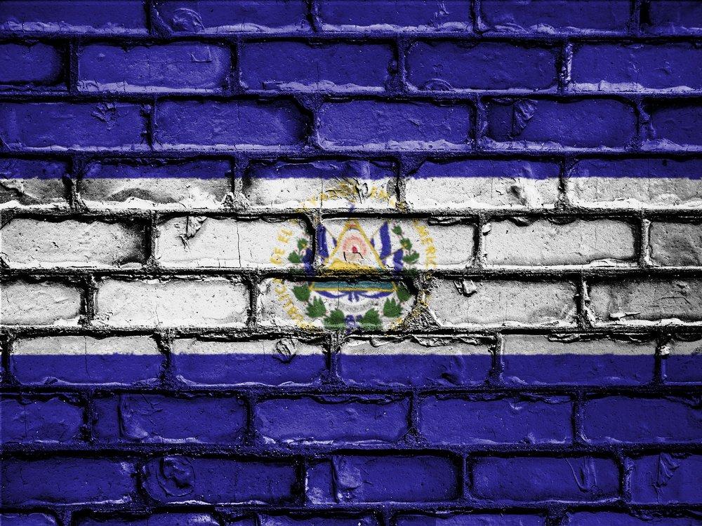 flag-2526345_1920.jpg