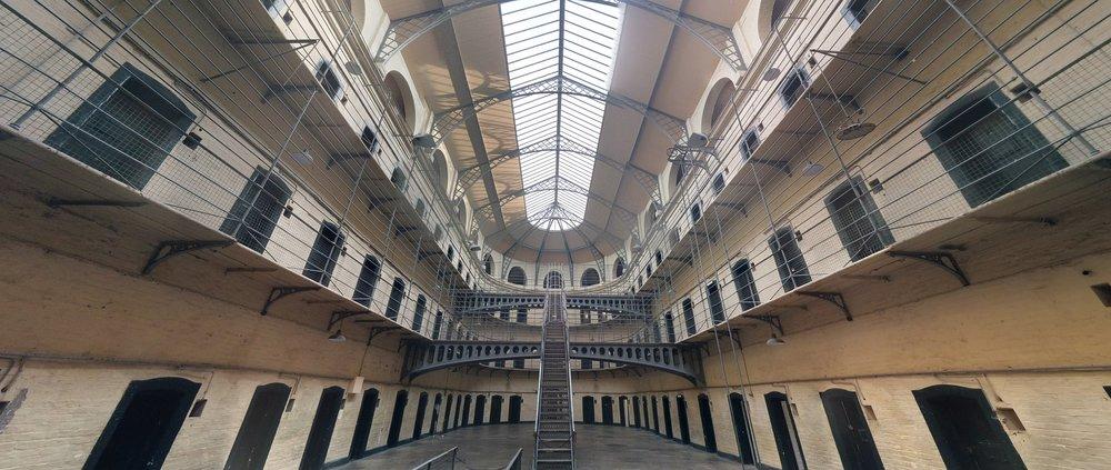 jail-1817900_1920.jpg