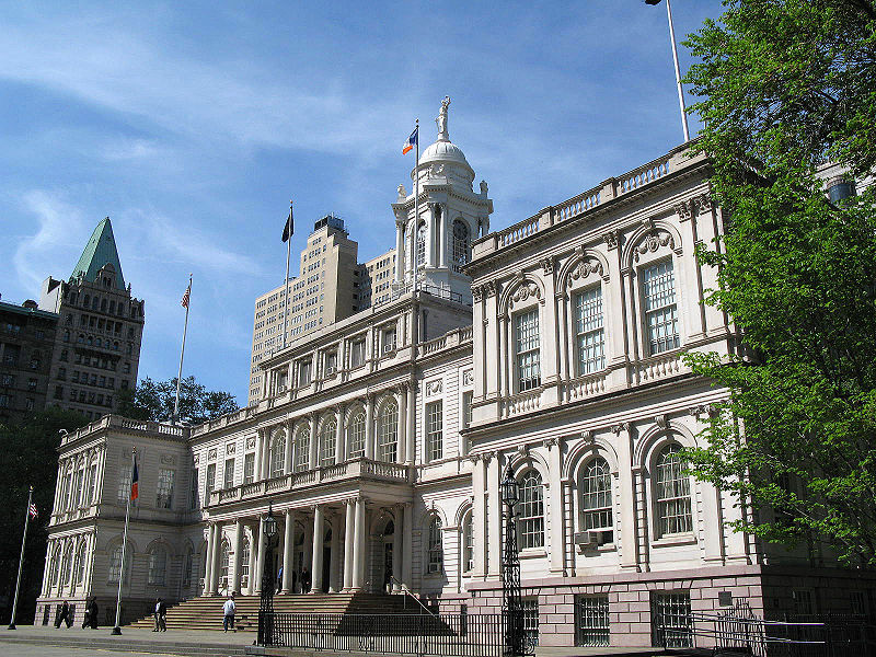 800px-New_York_City_Hall.jpg