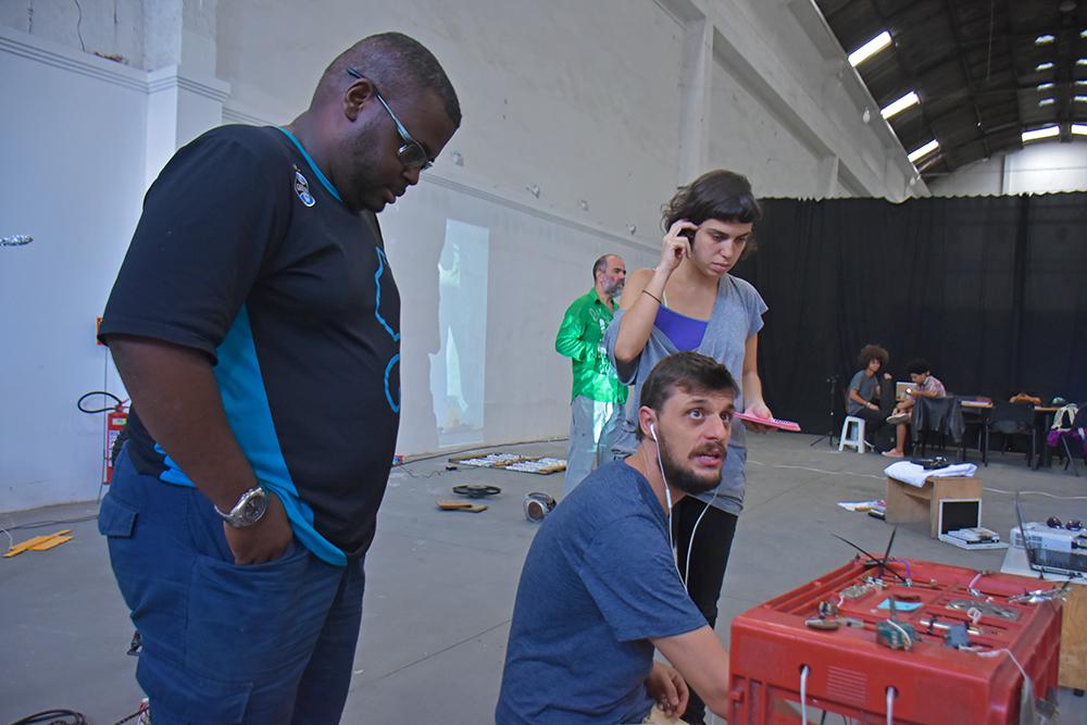 Gambiarra Lab 14.05 Foto Douglas Lopes2WEB.jpg