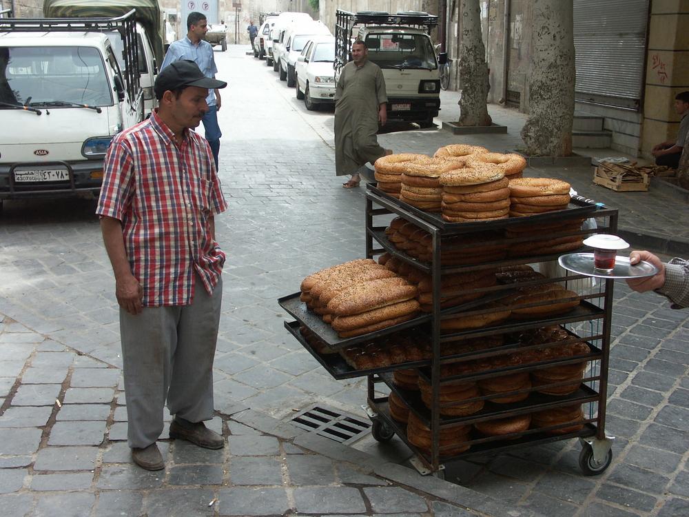 Aleppo souk 31-05-2005 07-58-15.JPG