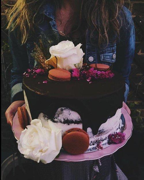 Chocolate Caramel Cake With Vanilla Buttercream