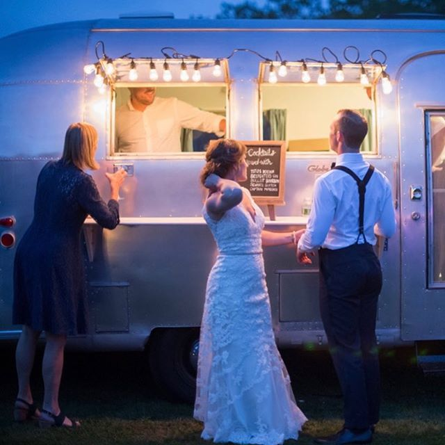Summer nights are just around the corner. Need a vintage styled bar at your party?! Thanks BreaMcdonald.com for the photos.
