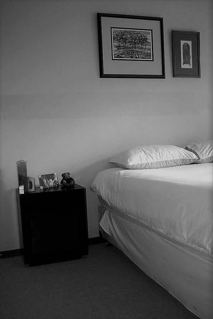 bedroom-1230377.jpg