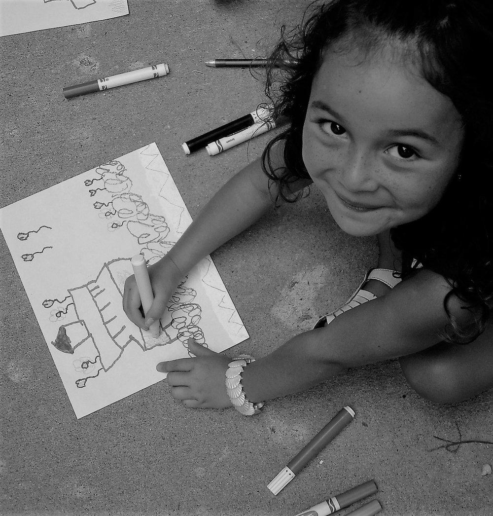 girl-coloring-1564116-1279x1338.jpg