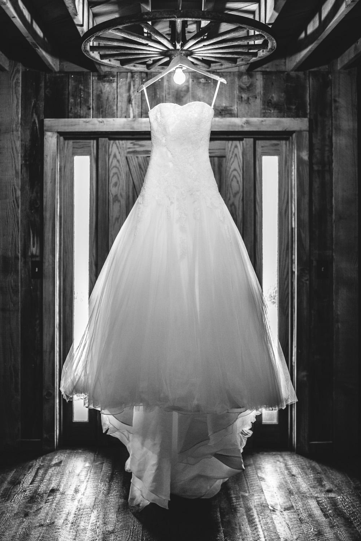 Gambrel Barn Wedding-01.jpg