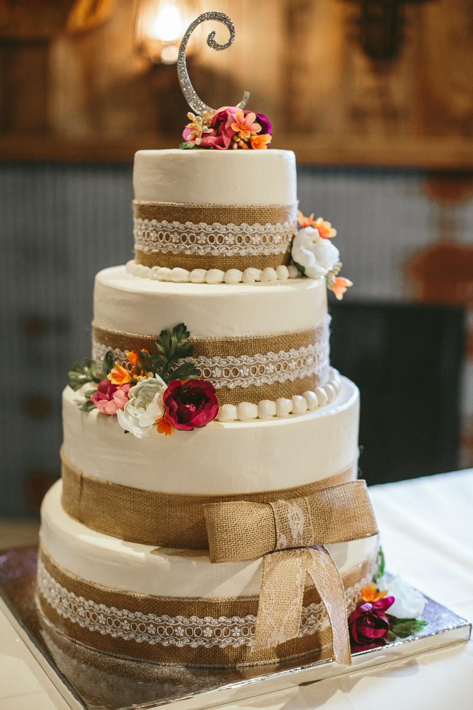 Gambrel Barn Wedding-06.jpg