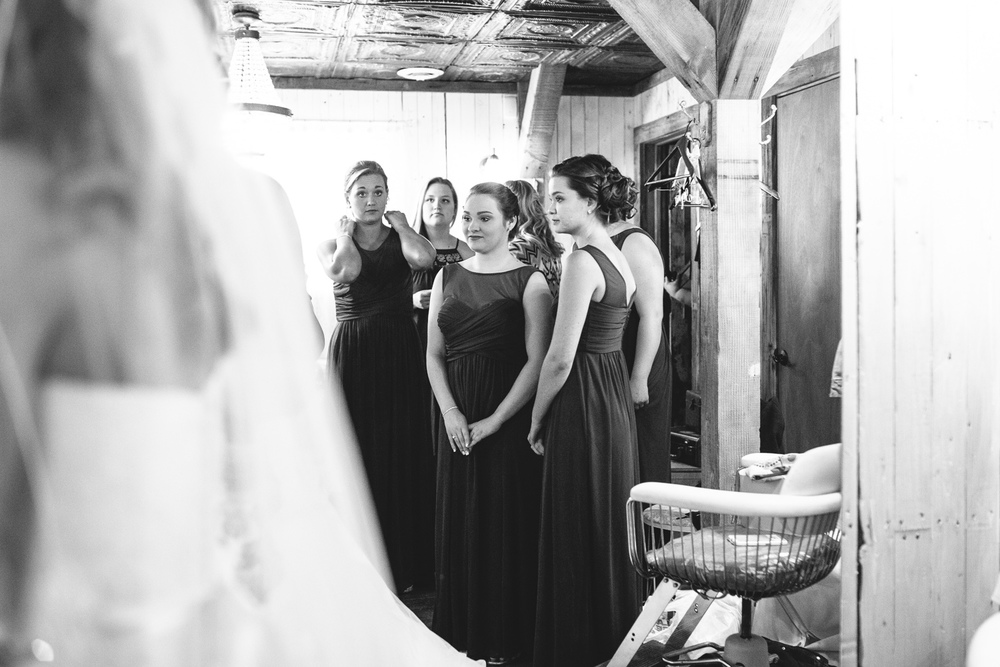 Gambrel Barn Wedding-12.jpg