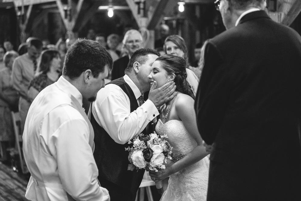 Gambrel Barn Wedding-28.jpg