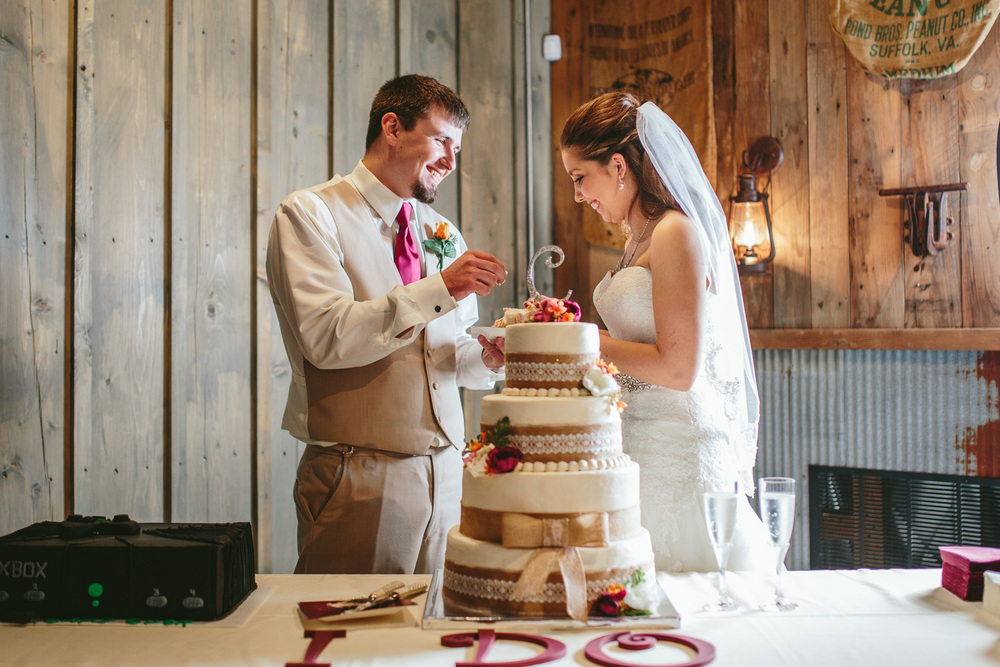 Gambrel Barn Wedding-42.jpg
