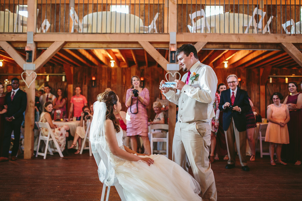 Gambrel Barn Wedding-51.jpg