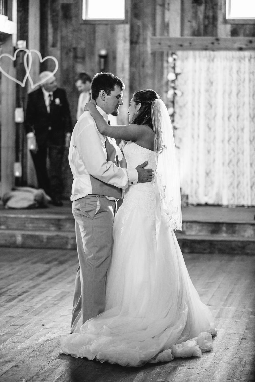 Gambrel Barn Wedding-54.jpg