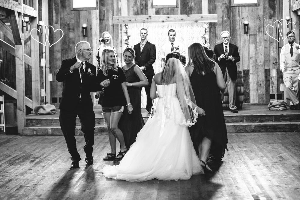 Gambrel Barn Wedding-63.jpg