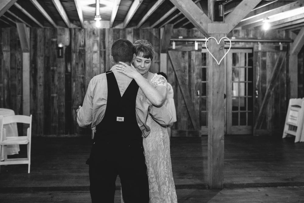 Gambrel Barn Wedding-77.jpg