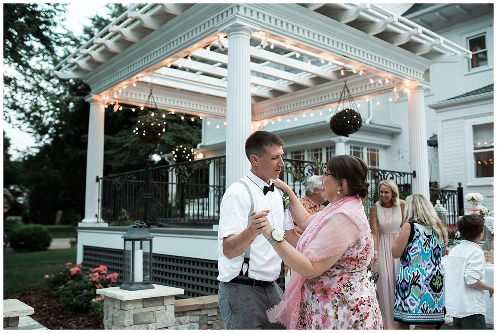 Missouri Backyard Wedding-110.jpg