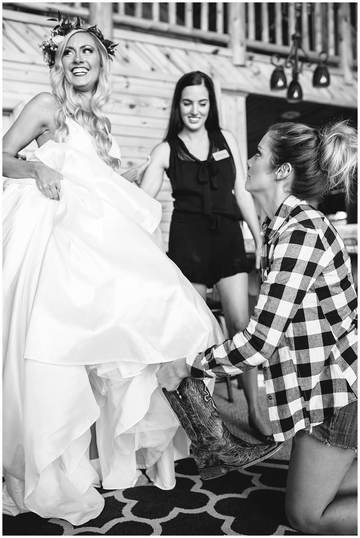 Table Rock Lake Wedding_0114.jpg