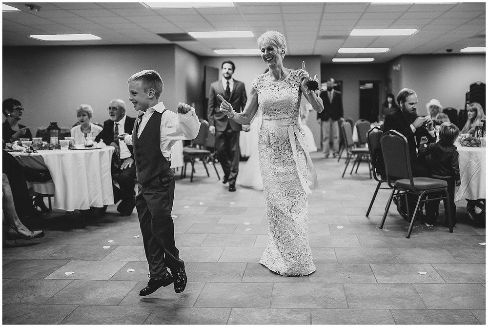 midwest lifestyle wedding photographers_0054-1.jpg