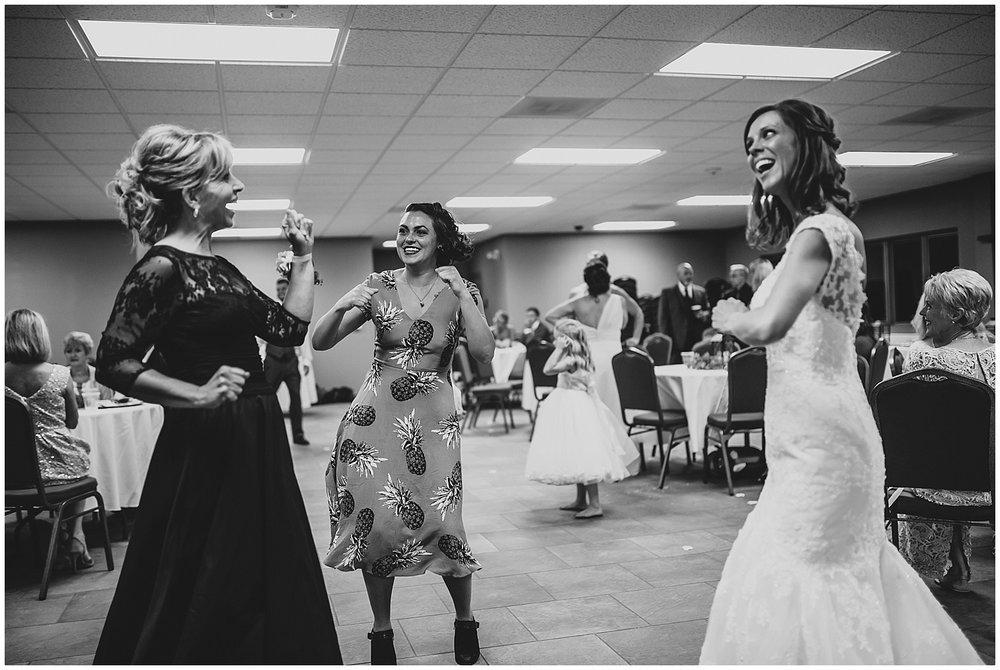 midwest lifestyle wedding photographers_0059-1.jpg