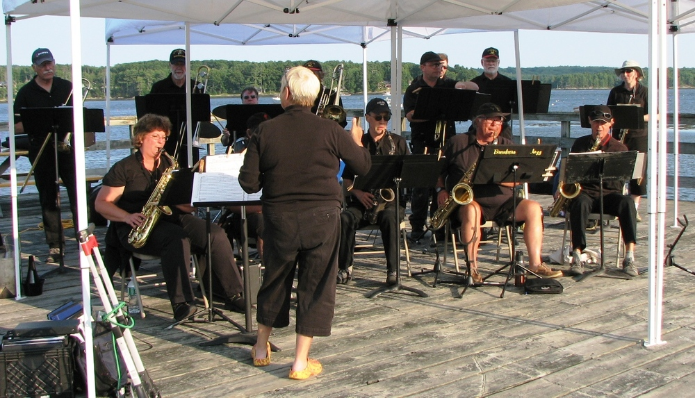 Breakers Jazz Band plays the pier!