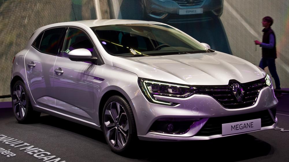 Renault_Mégane_(IV)_–_Frontansicht,_19._September_2015,_Frankfurt.jpg