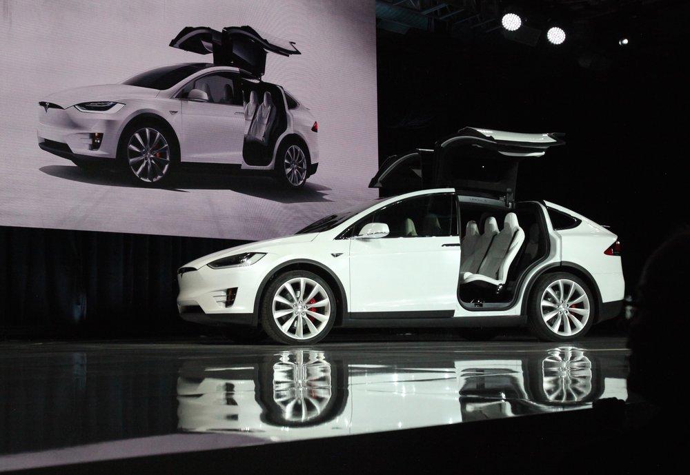 Tesla_Model_X_vin0002.jpg