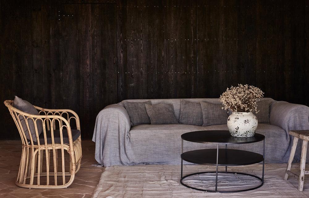 la-granja-ibiza-guesthouse-sofa (1).jpg