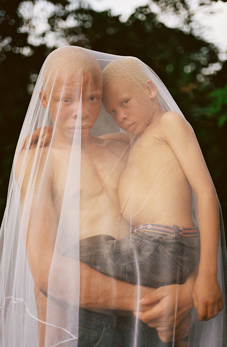 00005_06_albino_brothers_annebarlinckhoff.com.jpg